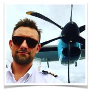 Hop Med På Eventyr Med To Nyuddannede Danske Piloter